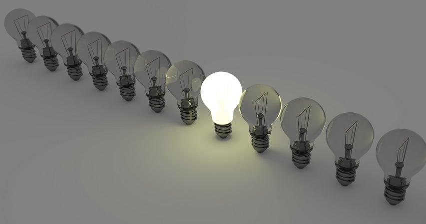 light-bulbs-1125016lr